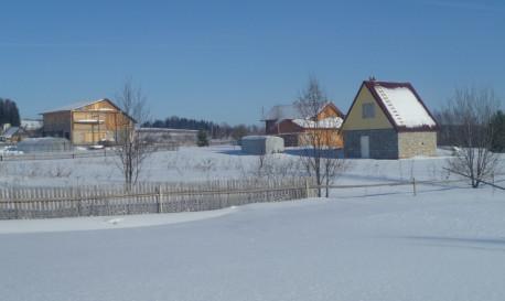 дома на соседних усадьбах